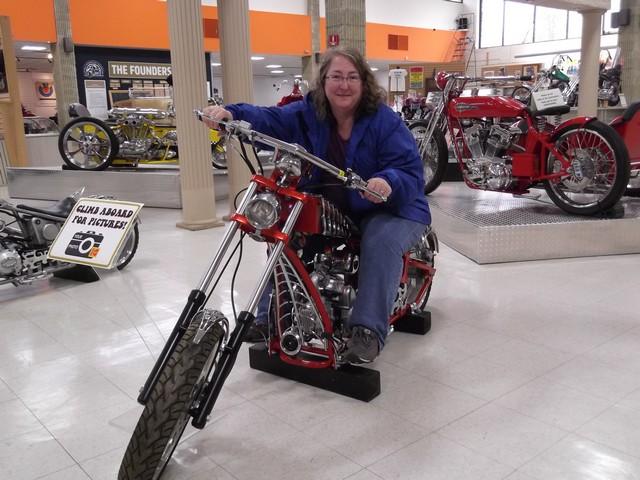Motorcyclepedia05091400003
