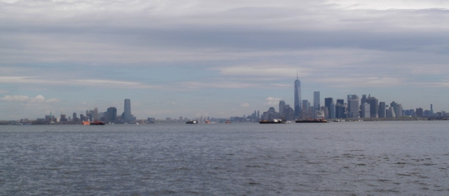 Approaching_NY_Harbor_050614
