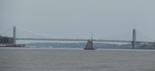 GW_Bridge_Sloop_Clearwater_050714