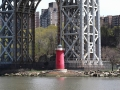 Little_Red_Lighthouse_under_GWB_050714